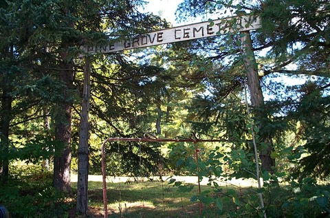 Gate at entrance to Pine Grove Cemetery